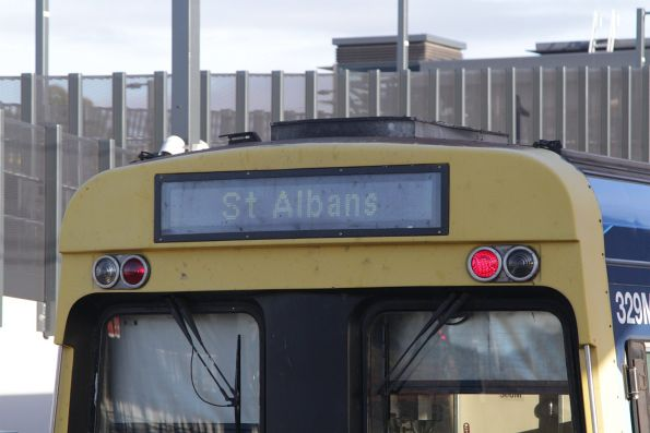 'St Albans' destination still displayed on a non-PSR service to Watergardens