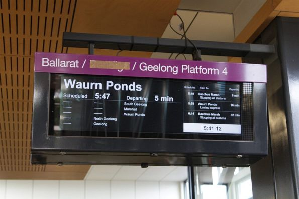 Melbourne suburban passenger information displays