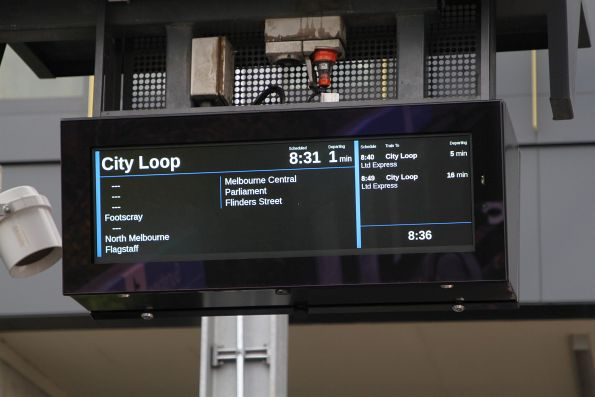'0840 City Loop' advertised as  'Limited Express' despite stopping all stations except South Kensington