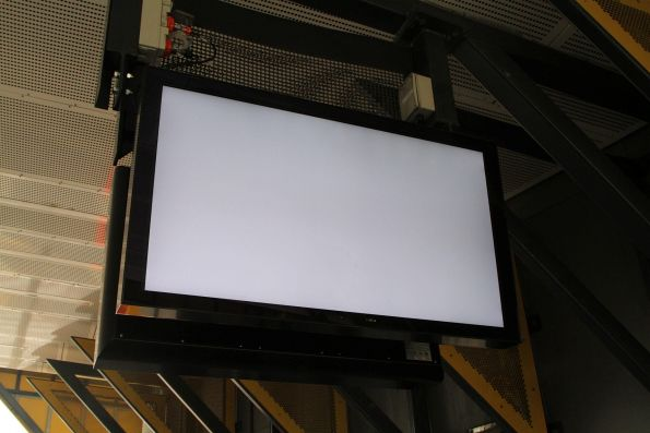 The LCD PIDS at Sunshine station are completely dead