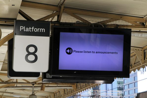 'Please listed for announcements' message at Flinders Street platform 8