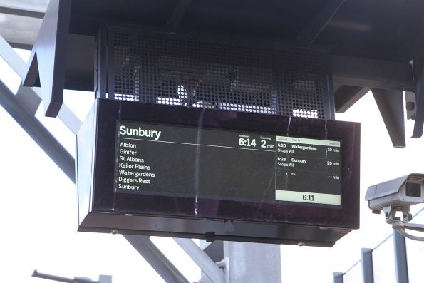 Down Sunbury express service arrives into Sunshine station three minutes early