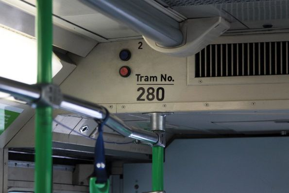 Two indicator lights at the No. 2 end of A2 class tram 280