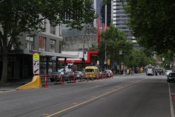 Southbound safety zone closed at the corner of Elizabeth and La Trobe