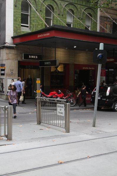 Non-functional T light used to indicate a 'green run' down Collins Street