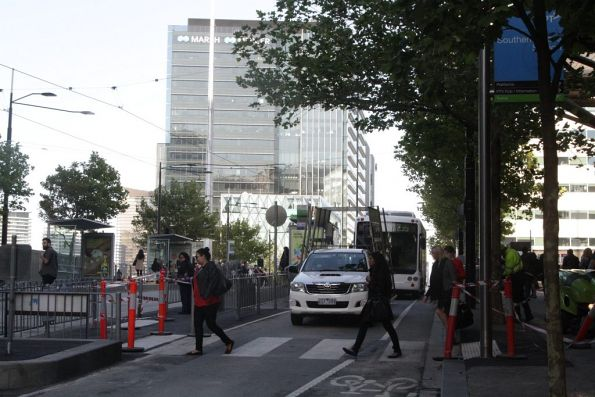 Pedestrian crossing finally installed between Southern Cross Station and the Collins Hill tram stop