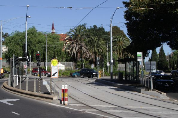 Tram stop at Hawthorn Bridge, where route 48 and 75 trams diverge