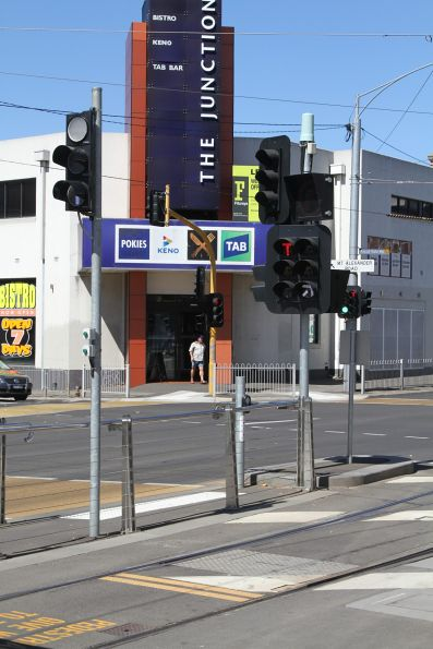 Point indicators and 'T' lights southbound at Moonee Ponds Junction