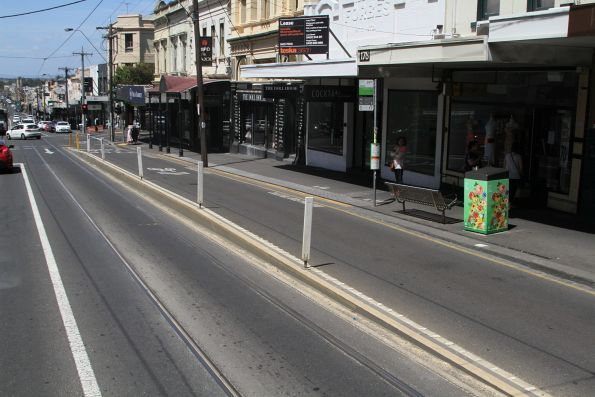 'Drive through' platform tram stop on Bridge Road