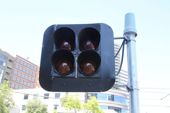 Additional traffic signals for motorists at the Park and Wells Street tram stop