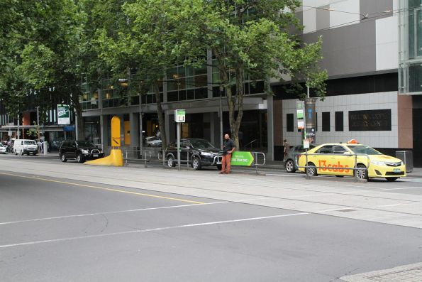 Safety zone tram stop at William and Lonsdale Street
