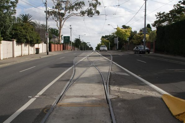 Points at the route 72 terminus on Burke Road in Camberwell