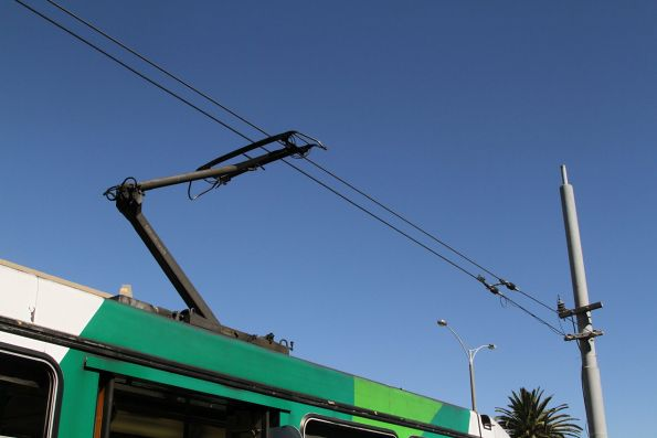 Double contact wires at the route 1 terminus in South Melbourne