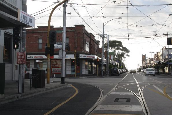 Westbound at Glenhuntly Road‎, points leading north and south on Hawthorn Road