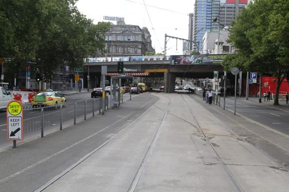 Crossover at the Batman Park tram stop on Spencer Street