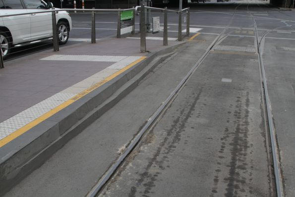Cut away edge of the westbound platform at the corner of Flinders and Spencer Street