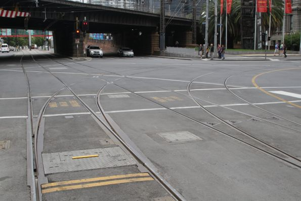East to north curves at Flinders and Spencer Street locked out of use