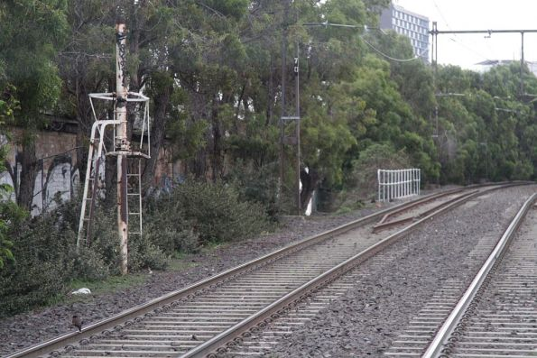 Remnant railway signal mast on the St Kilda light rail, citybound at South Melbourne