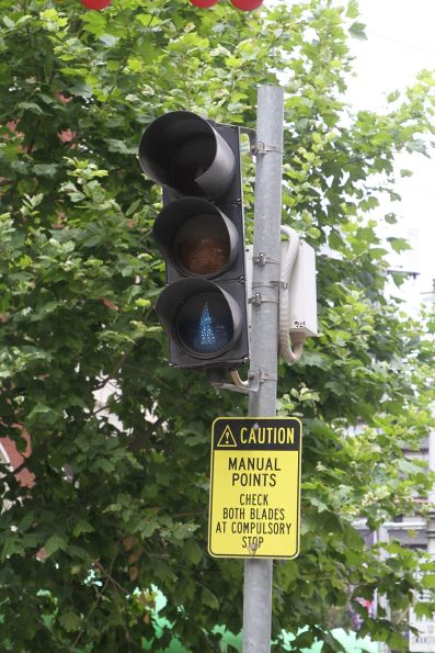 'Manual Points: check both blades at compulsory stop' notice for southbound trams at Swanston and La Trobe Street