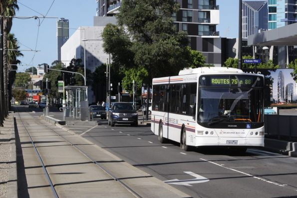 Melbourne Bus Link #433 7833AO on Docklands Drive