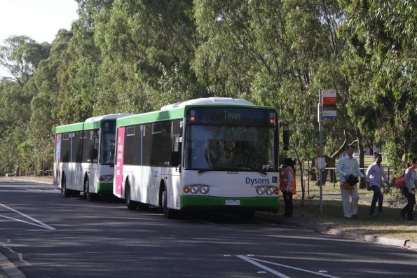 Dysons #174 rego 4298AO on a route 55 replacement service at Royal Park
