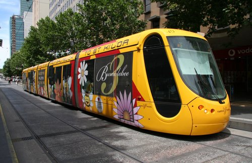 C2.5103 'Bumblebee 3' on route 96 westbound on Bourke Street at Swanston