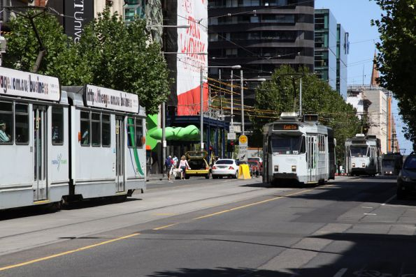 B2 class passing a procession of northbound Z class on Swanston Street