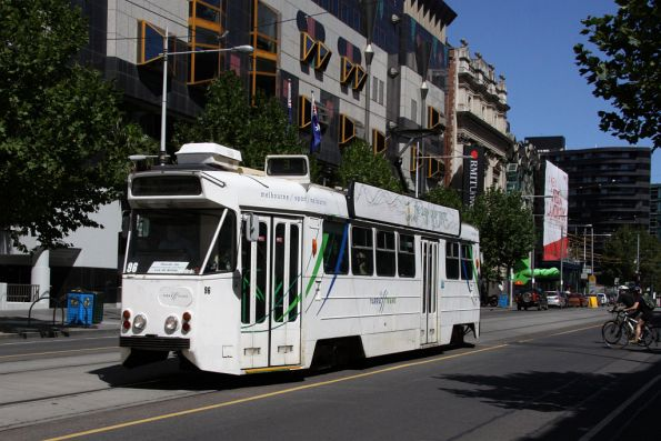 Z1.96 on route 3 headed north on Swanston Street outside RMIT