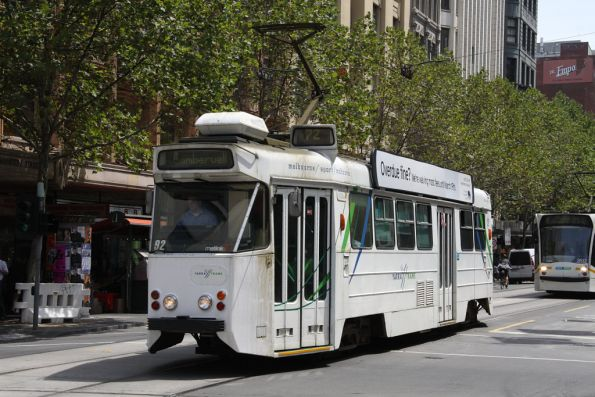 Z1.92 heads south on Swanston Street