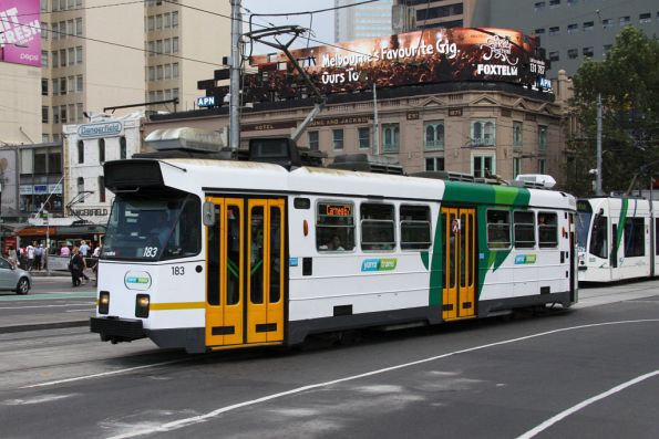 Z3.183 in the YT Mk4 livery on Swanston Street