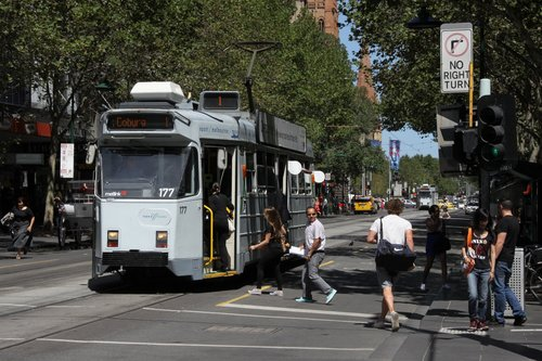 Northbound Z3.177 picks up passengers on the corner of Swanston and Bourke