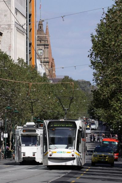 D1.3513 heads up Swanston Street towards the university