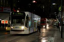 D1.3525 heads south on Swanston Street