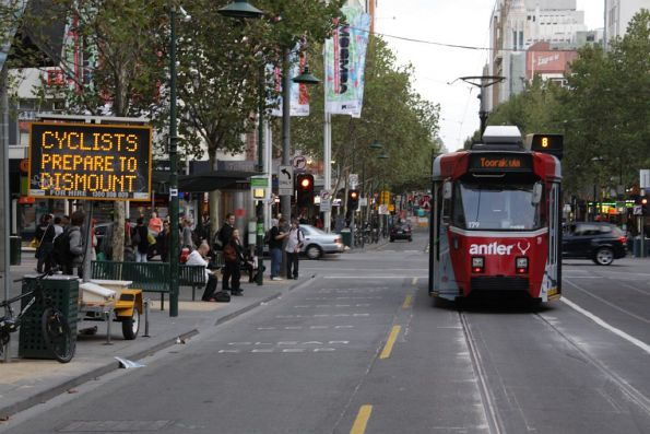 Z3.179 and the 'Cyclists prepare to dismount' warning sign on Swanston Street