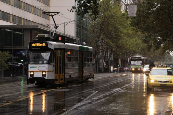 Z3.121 southbound on William Street at Bourke
