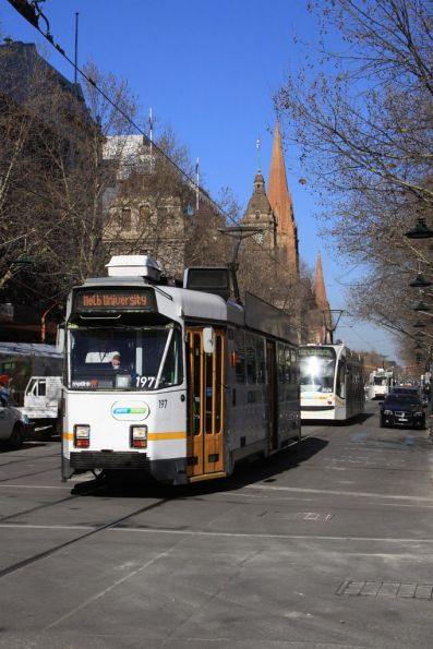 Z3.197 heads northbound Swanston and at Bourke Streets