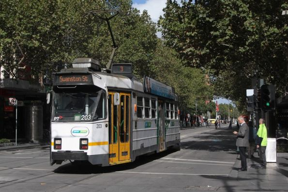 Z3.203 northbound at Swanston and Bourke Streets