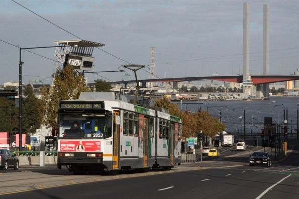 B2.2053 heads east on La Trobe Street in Docklands