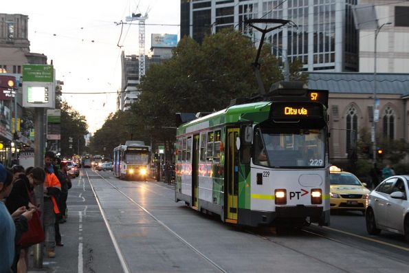 Z3.229 in new PTV livery southbound at Elizabeth and Lonsdale Streets