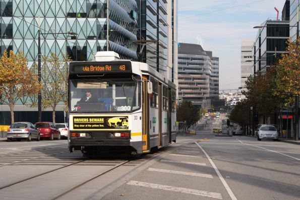 A2.300 heads east along route 48 on Collins Street Extension