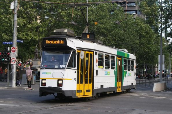 Z3.195 northbound at Swanston and La Trobe Streets