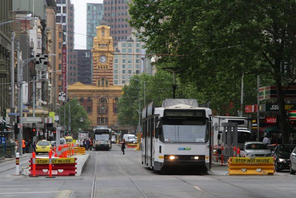 B2.2075 passes the incomplete platform stop at Elizabeth and Little Bourke Streets