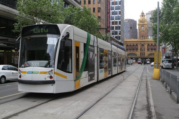 D2.5001 arrives at the Elizabeth Street terminus with a route 19 service