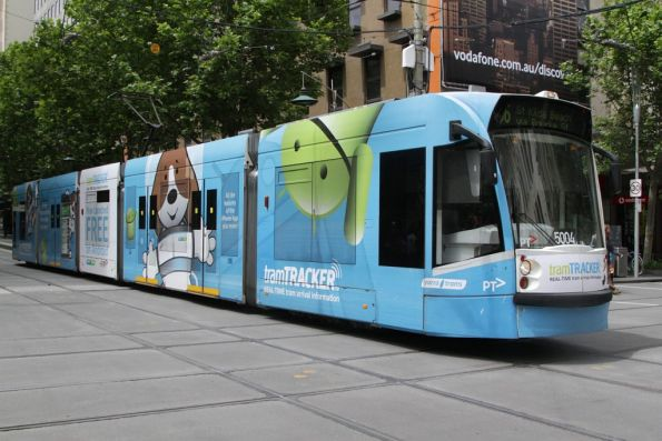 D2.5004 advertising 'TramTracker' at Bourke and Swanston Street