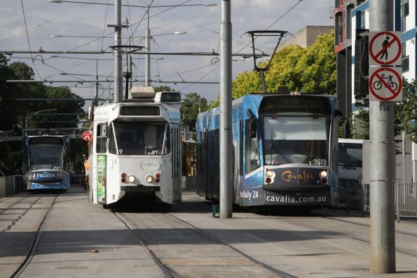 D1.3513 passes Z1.9 and D1. 3529 at the Melbourne University terminus