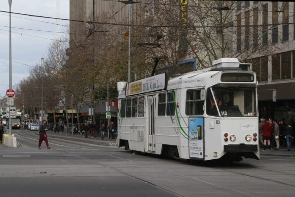 Z2.113 heads north at Swanston and Collins Streets