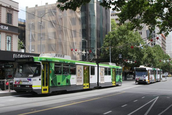 PTV-liveried B2.2005 passes B1.2001 at Bourke and Russell Street