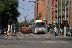 SW6.866 on the City Circle passes B2.2068 on route 70a at Flinders and Spencer Street