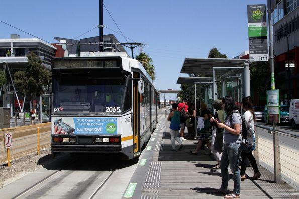 B2.2065 picks up route 86 passengers at Waterfront City in Docklands