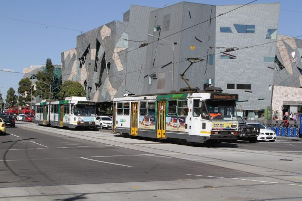 A2.279 on a route 70 service leads B2.2059 with a route 75 service at Flinders and Swanston Street